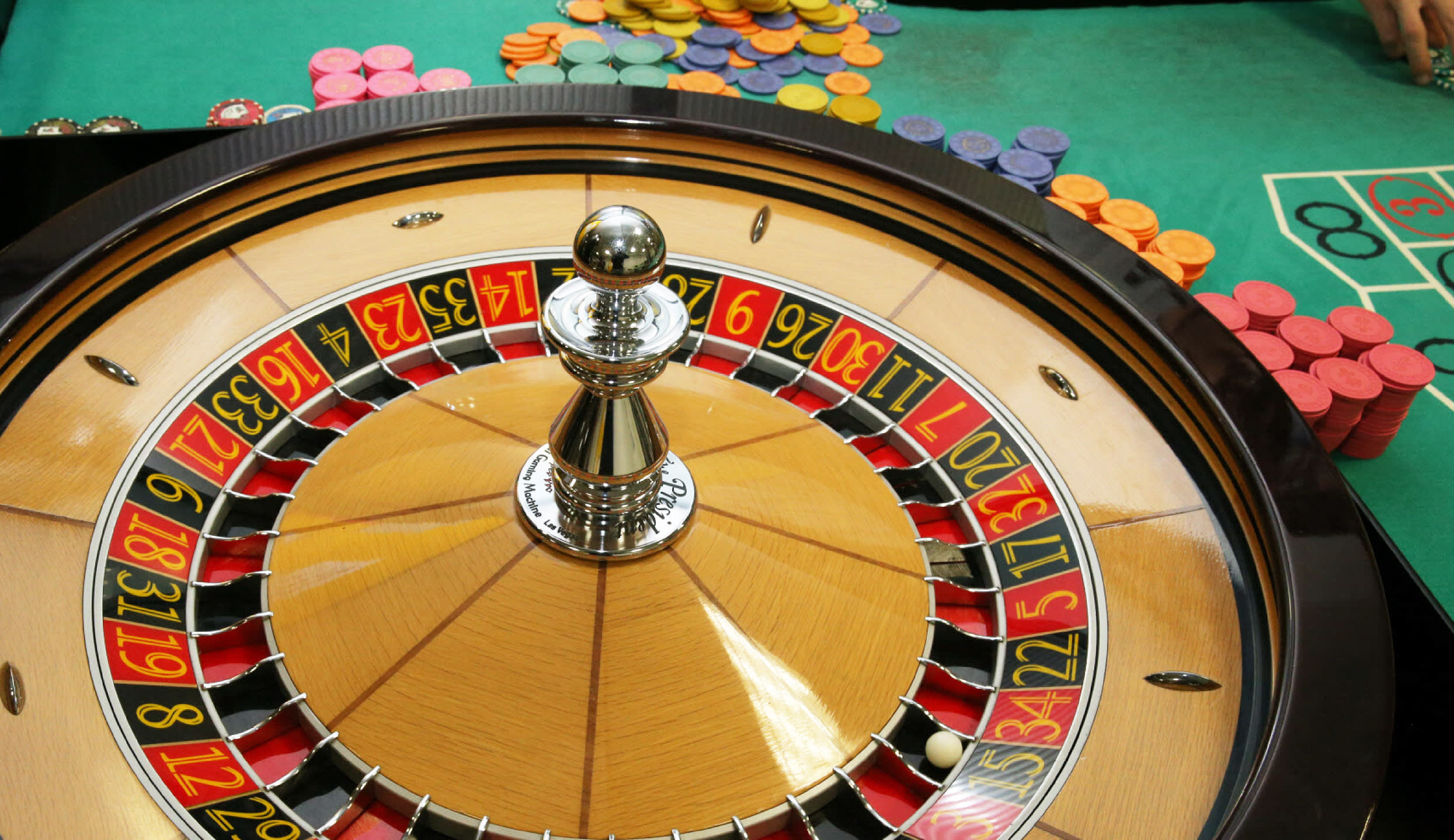 Critique and also Comparison of Casino Poker Chips