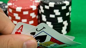Try To Sit Playing Online Pokerqq Tournament